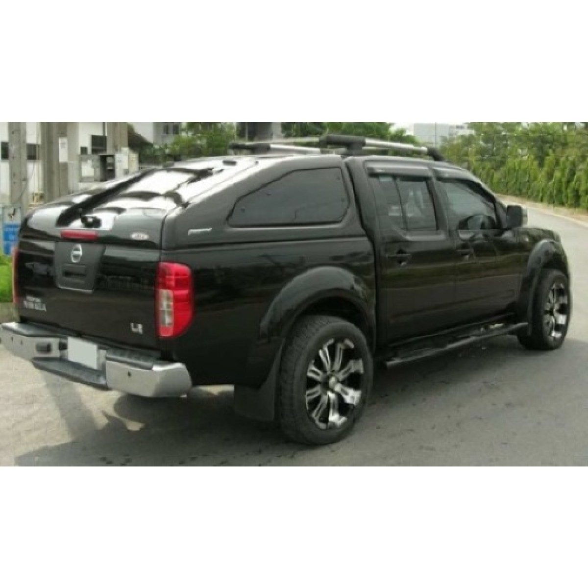 hard top nissan navara d40 occasion. Black Bedroom Furniture Sets. Home Design Ideas